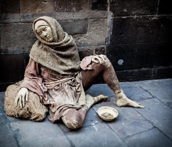Barcelona live street sculpure